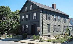 Lizzie Borden Bed And Breakfast Spend A Night At The Lizzie Borden Murder House Star2 Com