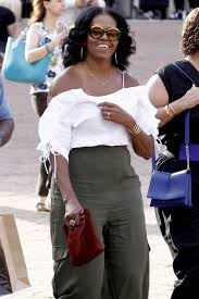 Obama S Vacation Michelle Obama Wears A White Frilly Top While On Vacation In
