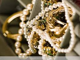 how to clean silver and gold jewellery at home