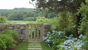 fieldstone wall landscape traditional with flower bed square