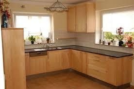 küche massivholz 25 praktische ideen für arbeitsplatte in küche und badezimmer die