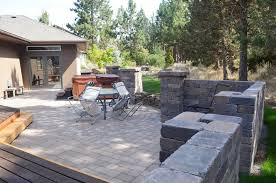awbrey butte free standing wall and patio extension newport