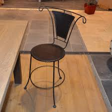 chaises en fer forgé chaise en fer forgé et cuir mobilier métal réédition bca matériaux