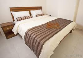 Duvet And Comforter Difference What Is The Difference Between A Comforter And Bedspread
