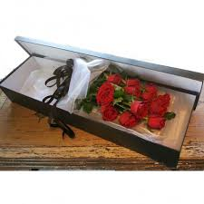 Roses In A Box Dozen Red Roses In A Gift Box