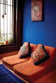 blue and orange room colors that make orange and compliment its tones