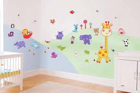 creer deco chambre bebe avec les stickers pour chambre bébé vous allez créer une ambiance