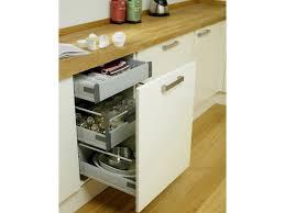 tiroir coulissant cuisine meuble de cuisine a tiroir attachant tiroir coulissant pour meuble