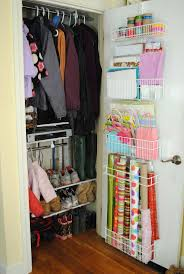 How To Arrange A Small Bedroom by Best 25 Hall Closet Organization Ideas On Pinterest Bathroom