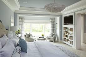chaise pour chambre à coucher design interieur chambre à coucher grand lit coussins fauteuil