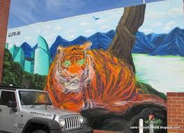 colourfulworld march 2016 it seems i m following with the zoo theme from my last post with this giant tiger mural that i found on one of my visits to fremantle when my parents