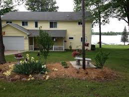 the yellow house at evans lake in michigan u0027s homeaway tipton