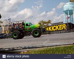 monster driver stock photos u0026 monster driver stock images alamy monster truck ride stock photos u0026 monster truck ride stock images