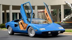 vintage lamborghini this lambo countach just sold for 720 000 top gear
