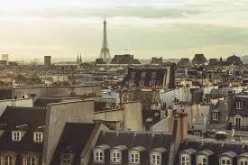chambres de bonne le parc immobilier des chambres de bonne parisiennes intéresse de
