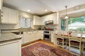 cuisine avec fenetre cuisine avec la fenêtre panoramique image stock image du éclairage
