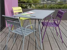 chaise et table de jardin pas cher table jardin acier meuble de jardin pas cher slowhand photography