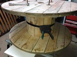 table basse touret bois comment customiser un touret en table basse by sebricole 17