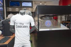 Hologramm Le Psg Third Jersey To The Hologram Pyramid At Our Chs Elysées