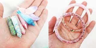 christian jewelry company pro christians say australian company that turns frozen
