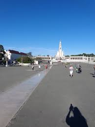 pilgrimage to fatima pilgrimage knee path from the top of the hill picture of shrine