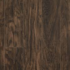 Difference Between Hardwood And Laminate Flooring How To Choose Hardwood Or Laminate Flooring Types Pergo Flooring