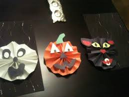 cute easy halloween decorations made from construction paper