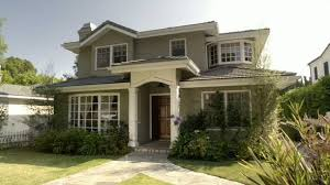 modern family house modern family three funny families and their three fab houses