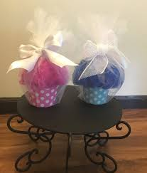 cupcake baby shower favors with loofah and bath salt zoom