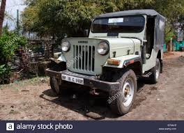 mahindra jeep mahindra jeep tala village bandhavgarh madhya pradesh india stock