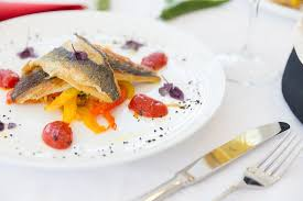 rondo cuisine file brancina na žaru na zelenjavi julienne 14 eur picture of