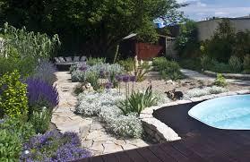 Gartengestaltung Mit Steinen Und Grsern Modern Pflegeleichter Garten Modern Ziakia Com