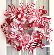 slim peppermint candy themed wreath by www southerncharmwreaths