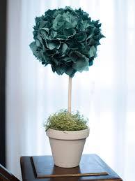 Christmas Topiaries How To Make A No Sew Christmas Topiary Hgtv