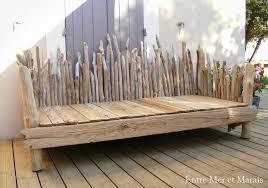 canapés en bois flotté entre mer et marais créations en bois
