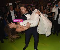 sofia vergara has nip slip in derek hough u0027s arms rumorfix the