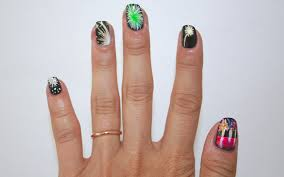 nail art how to fireworks for the 4th of july stylecaster