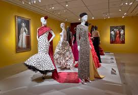 houstonian hotel offers oscar de la renta exhibit shopping u0026 glam