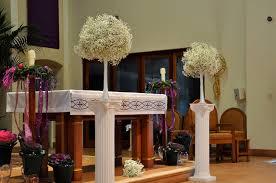 wedding altar flowers baby s breath wedding trend winter white flowers how to wire