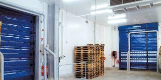 la chambre froide portes frigorifiques nergeco assa abloy entrance systems