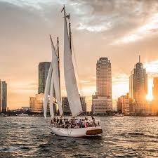 new york circle line harbor lights cruise booze cruise nyc cocktail boat cruises new york