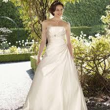 robe de mariã pas cher robe de mariée pas cher en ivoire et satin charlène instant précieux