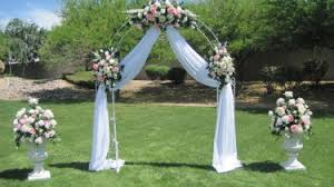 wedding arches decorated with flowers wedding arch decorations 526725bc2c1f0d6436aaea847ffc0b8d