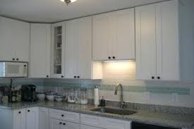 kitchen cabinets without crown molding kitchen cabinets with crown molding ice white shaker wall cabinets