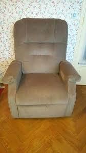 fauteuil confort electrique fauteuil electrique releveur occasion fauteuil releveur confort