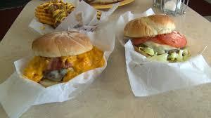 foodie friday become a u0027burger builder u0027 in waterbury fox 61