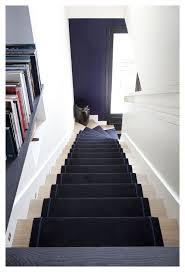 escalier peint en gris les 25 meilleures idées de la catégorie cage d u0027escalier décoration