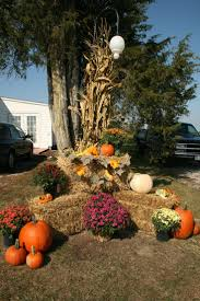thanksgiving outdoor decorations best 25 fall yard decor ideas on pinterest fall mailbox decor