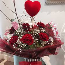 valentine roses red roses classic valentine flower bouquets