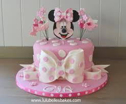 minnie mouse cakes character themed cakes disney minions princess